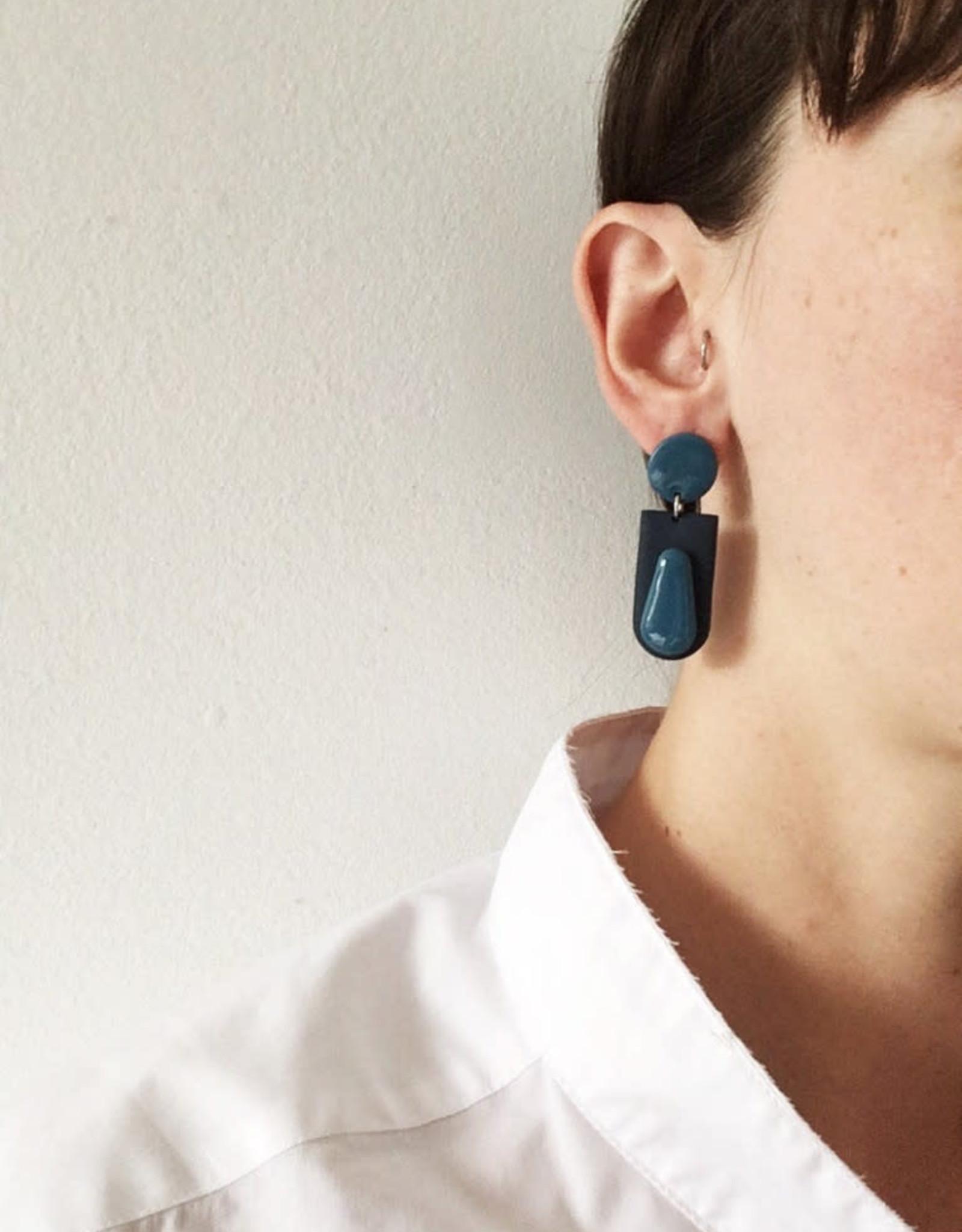 CartoucheMTL Boucles d'oreilles Joelle CartoucheMTL Bleu foncé