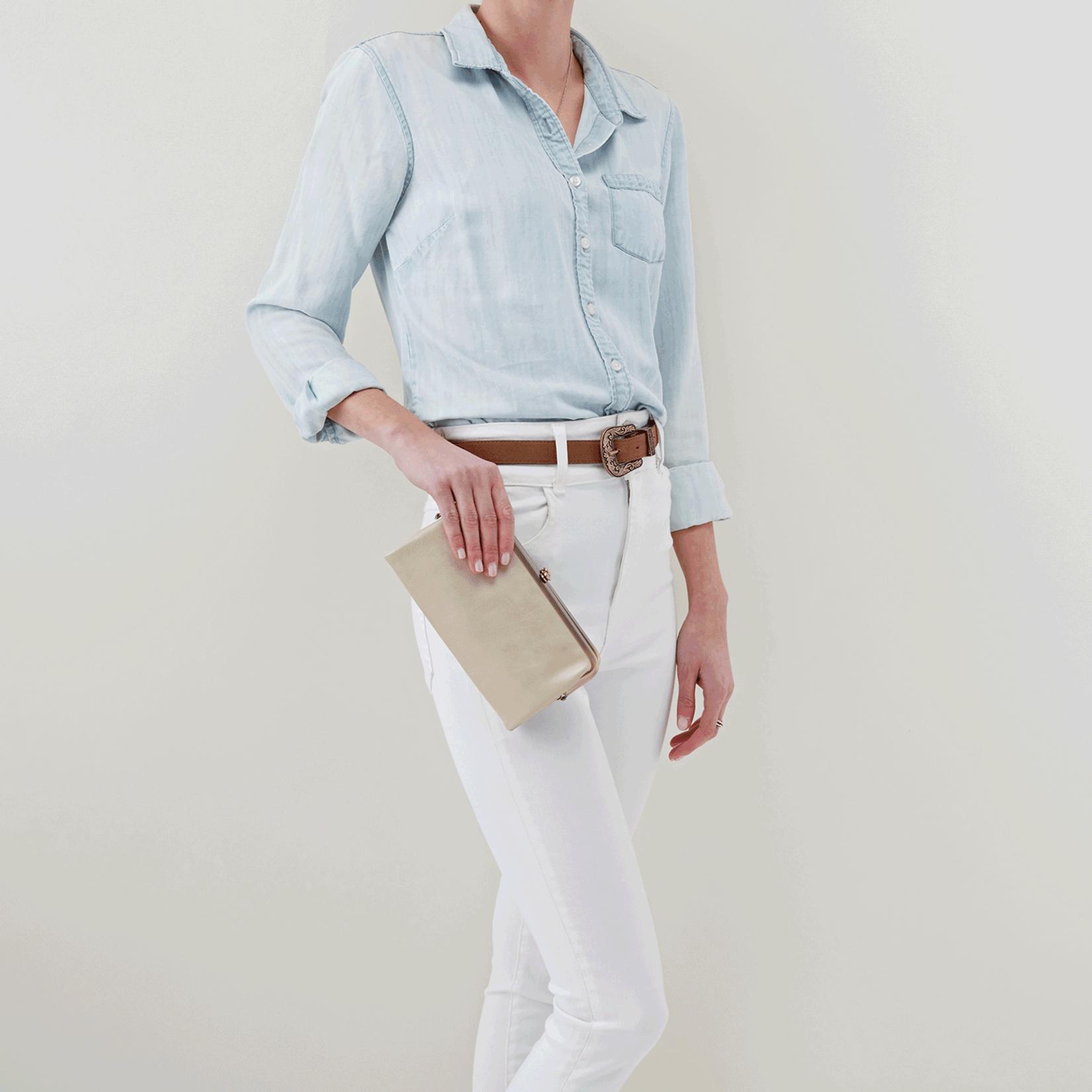 Lauren Wallet in Sandshell