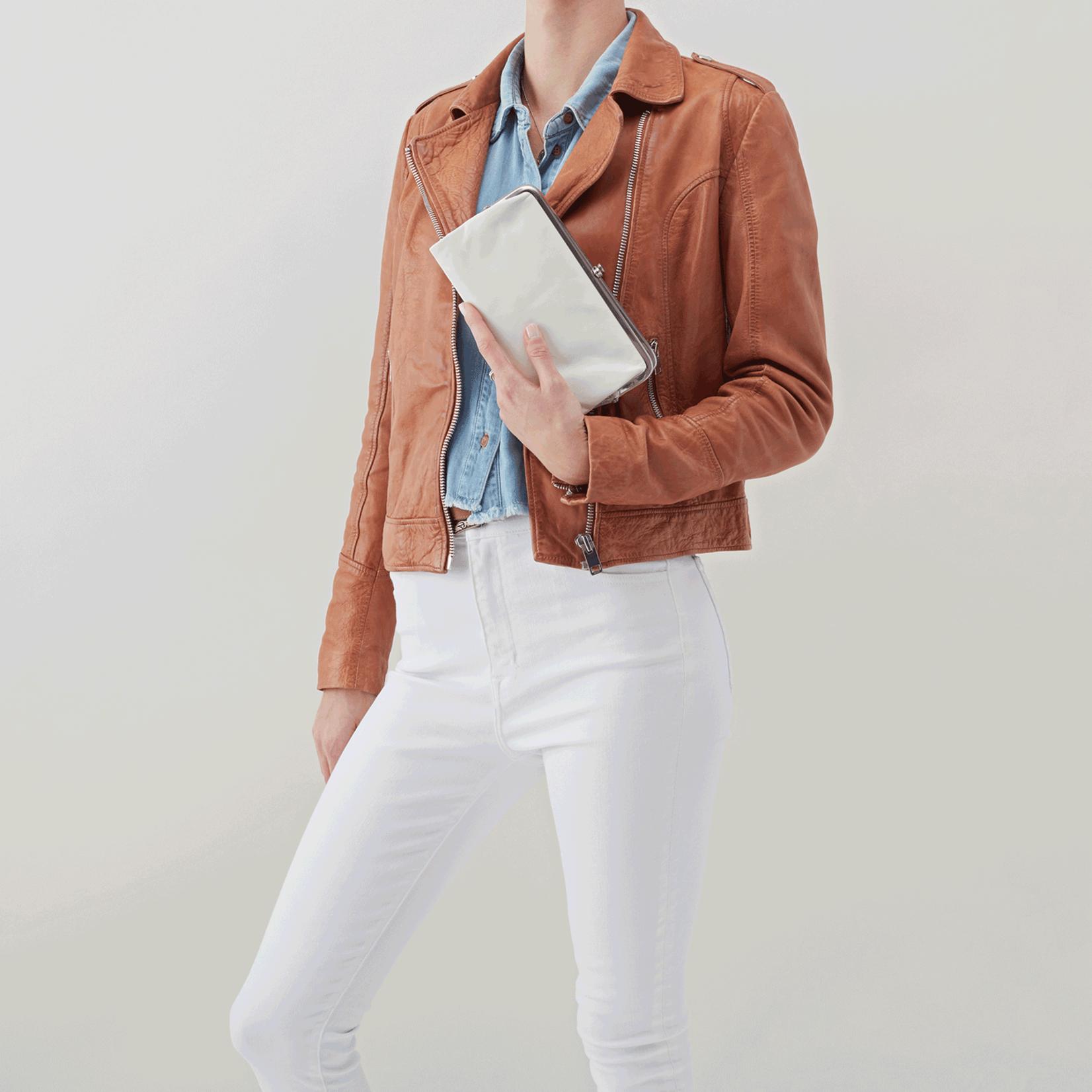 Lauren Wallet in Latte