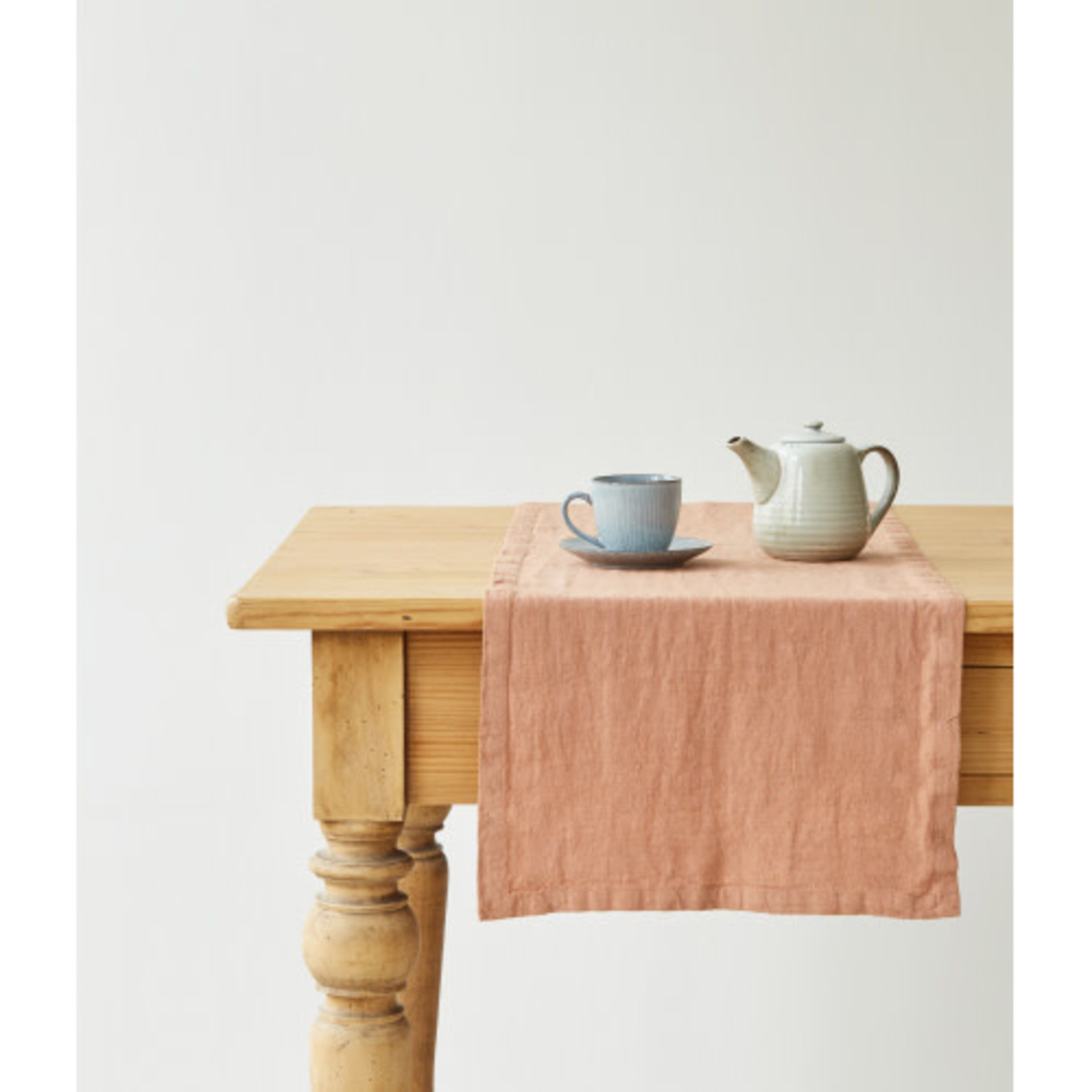 Cafe Creme Table Runner