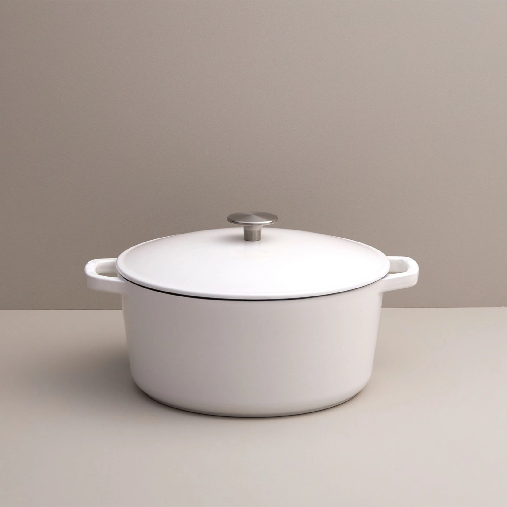 Milo 5.5Q Mini Dutch Oven in White
