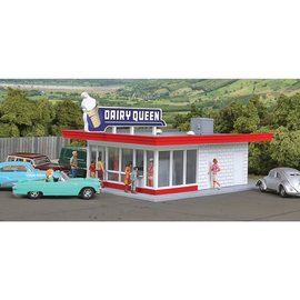 Walthers Cornerstone VINTAGE DAIRY QUEEN KIT HO