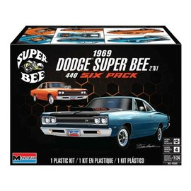 Revell 1/24 69 Dodge Superbee 2n1