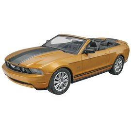 Revell 1/25 2010 Ford Mustang Convertible