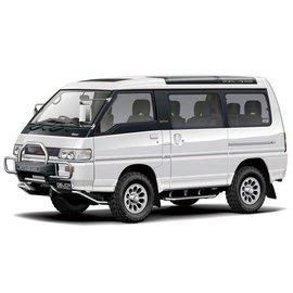 Aoshima 1/24 1991 Mitsubishi P35W Delica Star Wagon