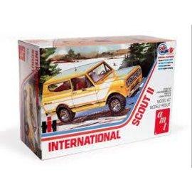 AMT 1/24 1977 International Harvester Scout II