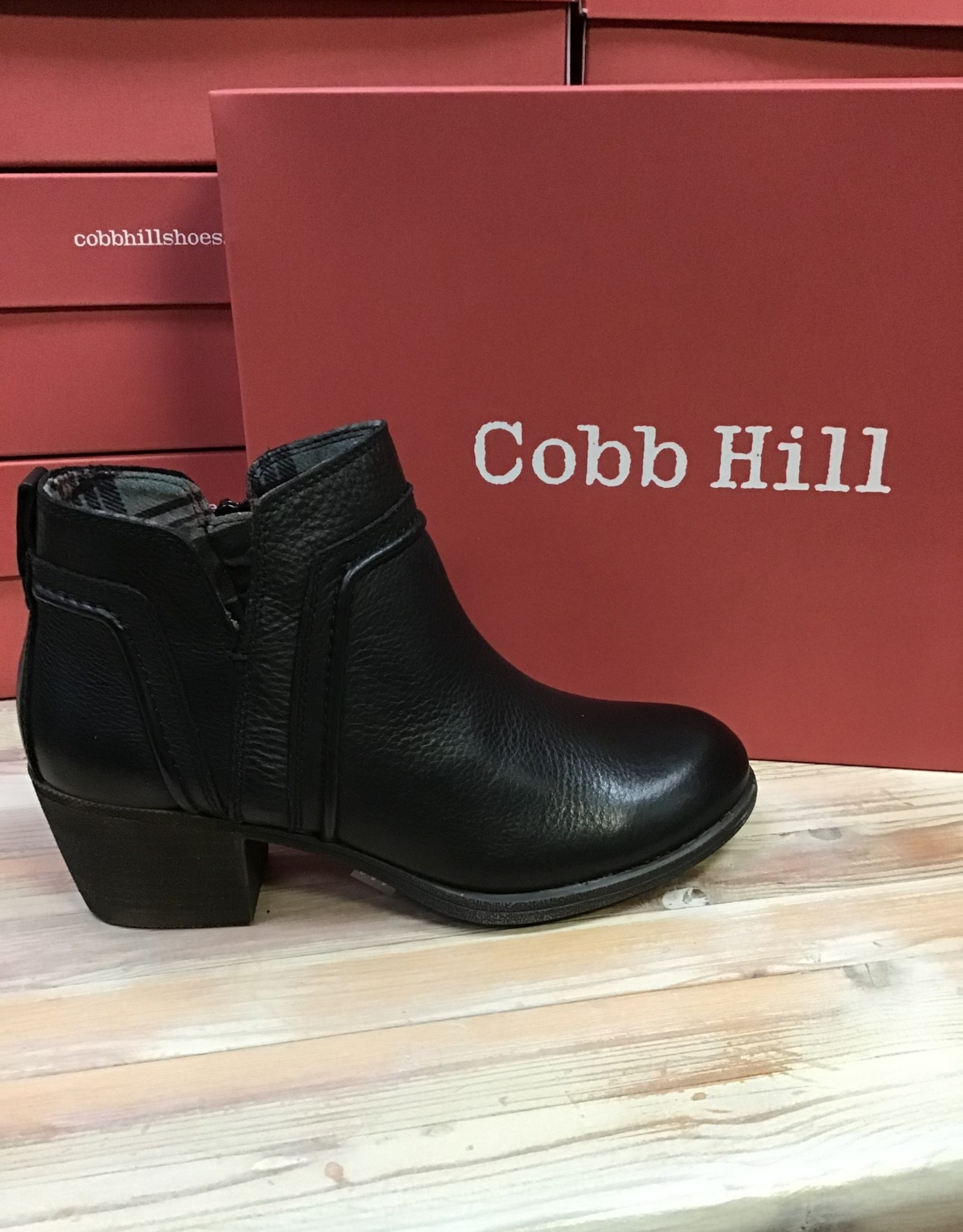 Rockport Rockport Cobb Hill  Anisa V Cut Bootie Ladies'