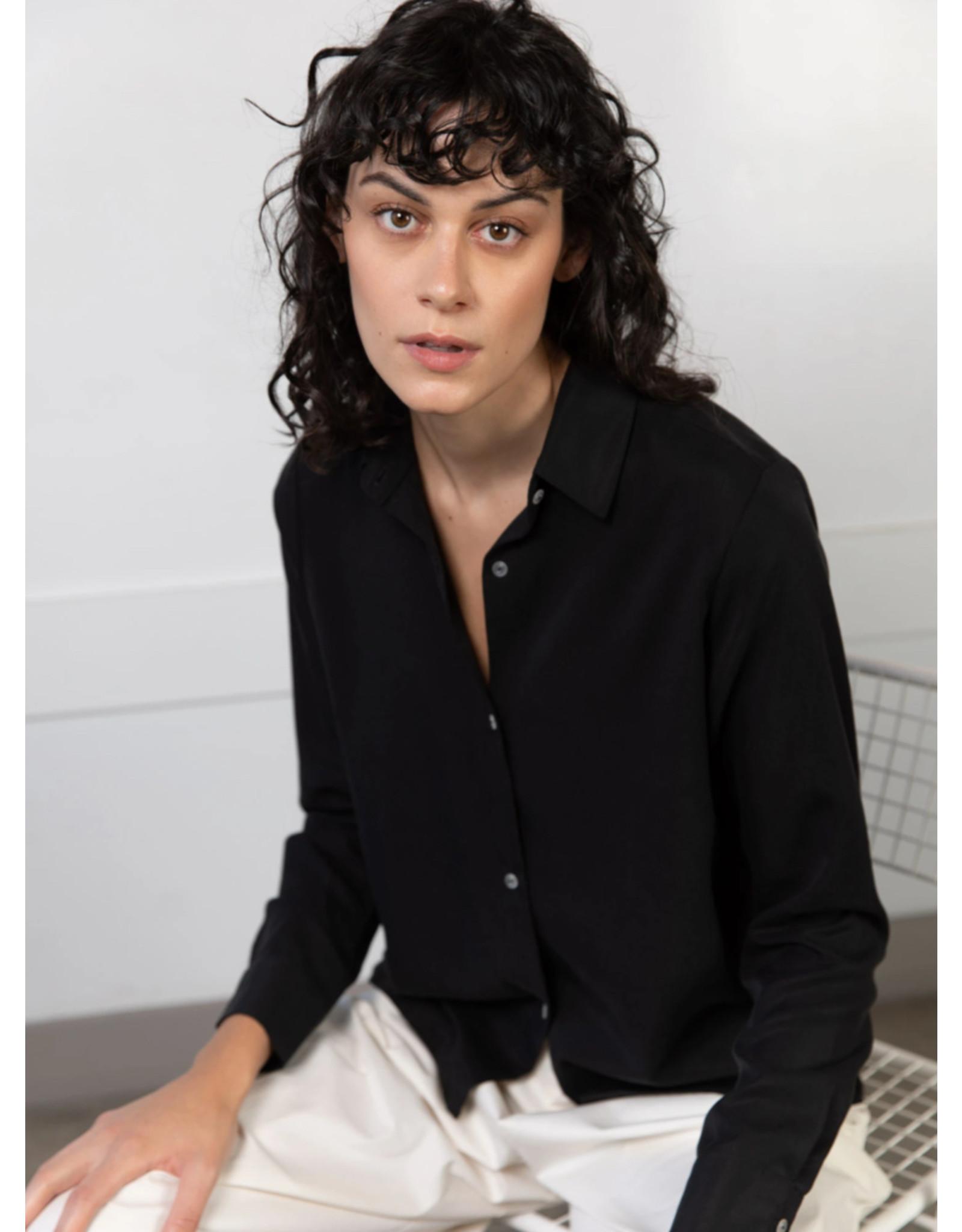 Lépidoptère Chemise Berenice noire