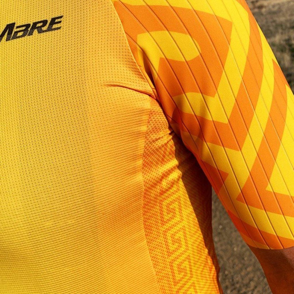 CUMBRE CUMBRE Maize Men's Jersey