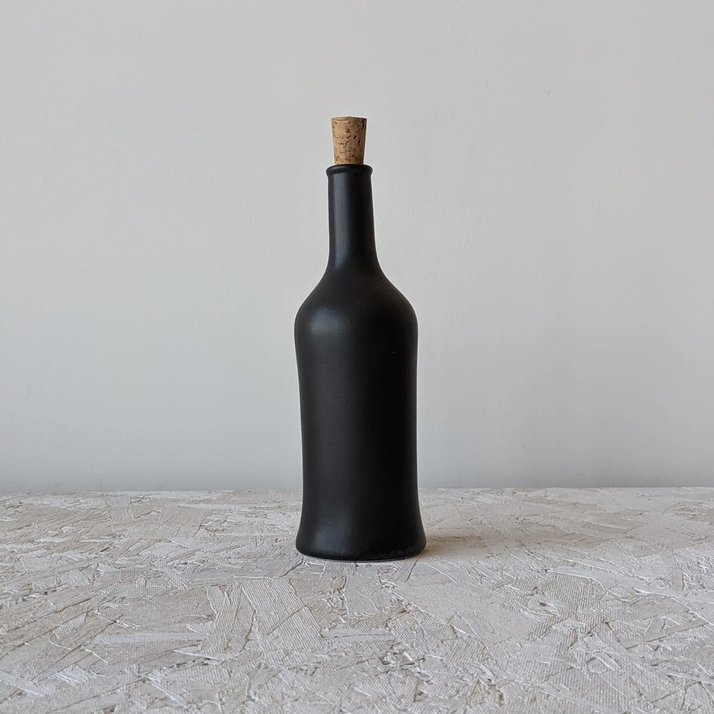 Gharyan Olive Oil Bottle Brutto 21 oz  Matte Black