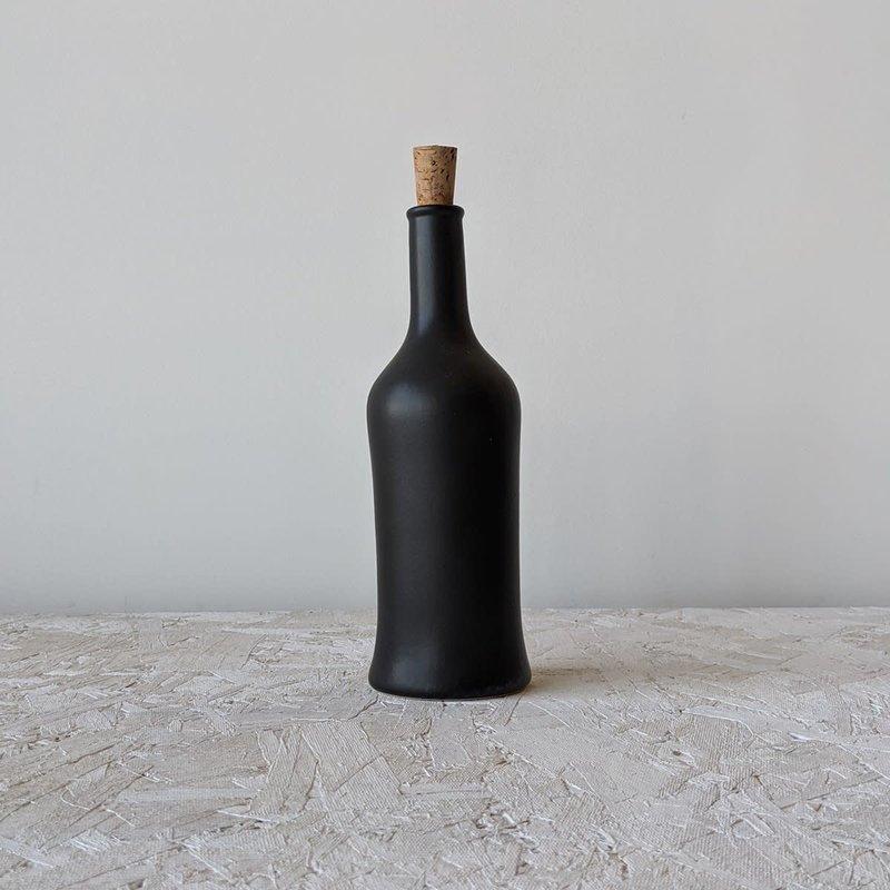 Gharyan Olive Oil Bottle Brutto 21 oz  Matte Black