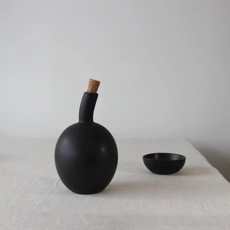 - Olive Oil Bottle Zitouna 34 oz Matte Black