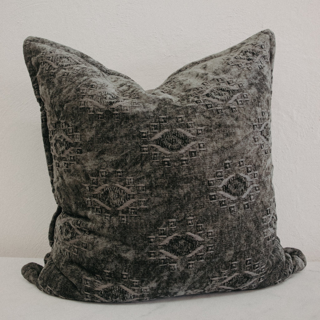 Loloi Loloi Dark Green Velvet Pillow 22 x 22