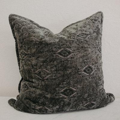 Loloi Loloi Dark Green Velvet Pillow 22 x 22