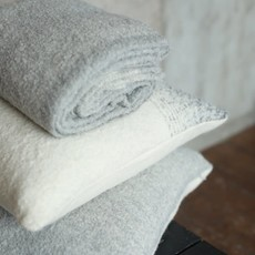Alpaca Whitehorse Pillow Cover Ivory/Dark Grey with Ivory Back