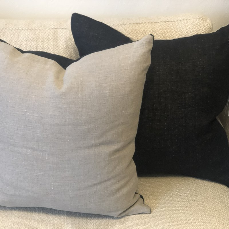 - Linen Corsica Pillow Cover - Black/Natural Flax