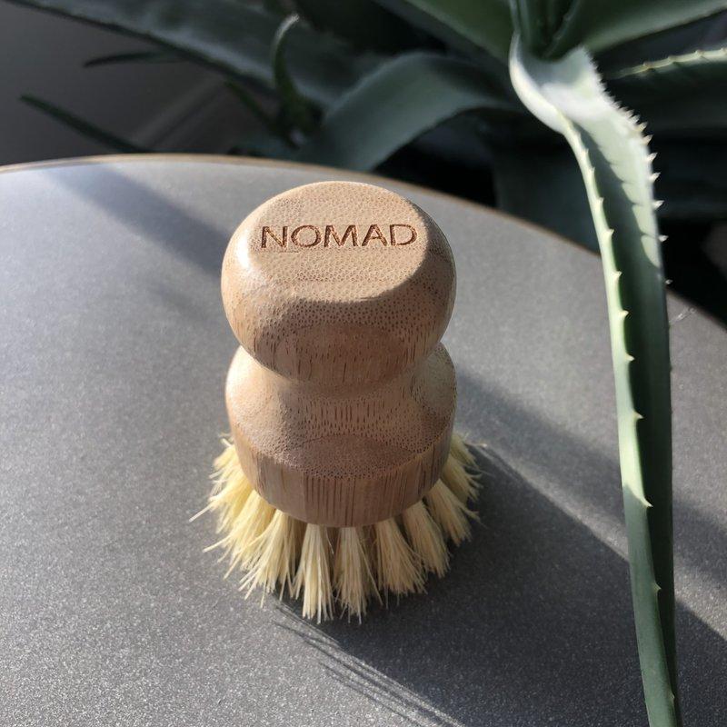 NOMAD Bamboo Pot Brush