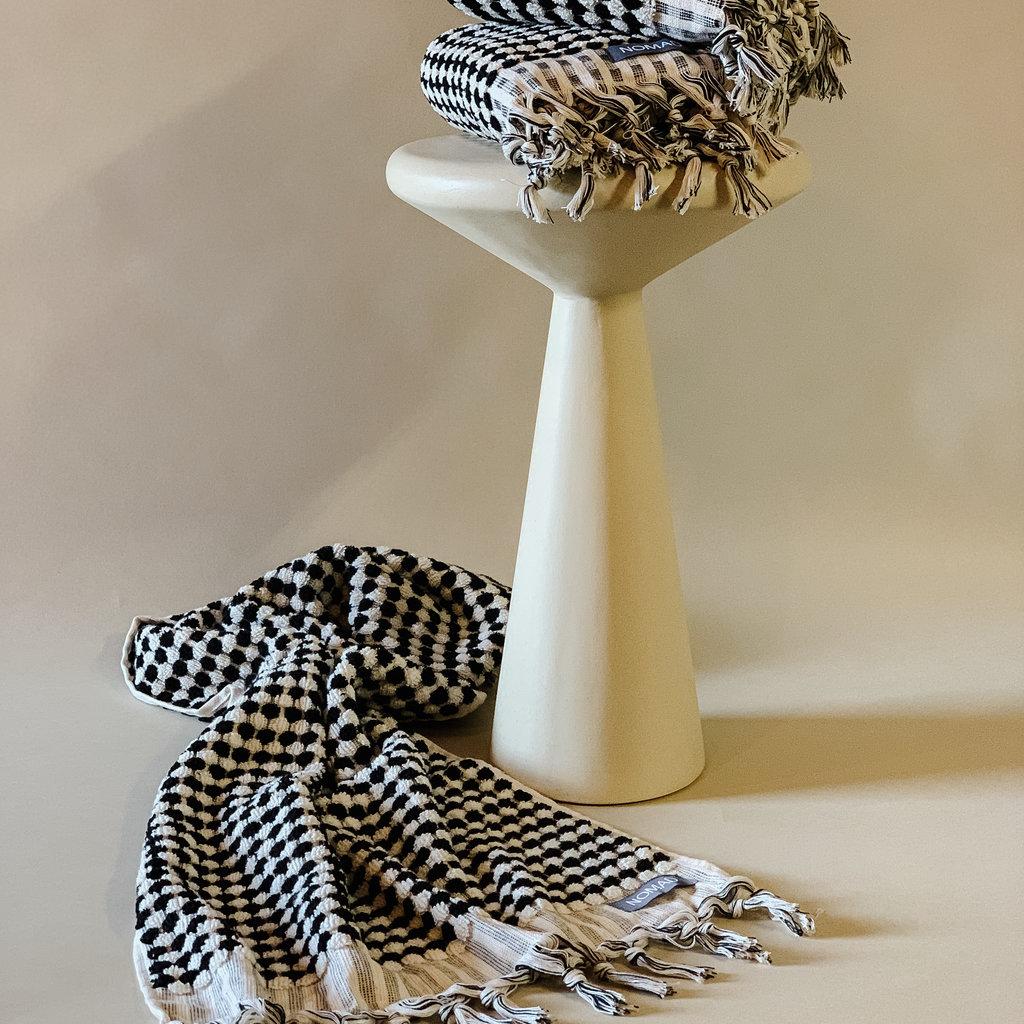 - Pompon Hand Towel  BLACK