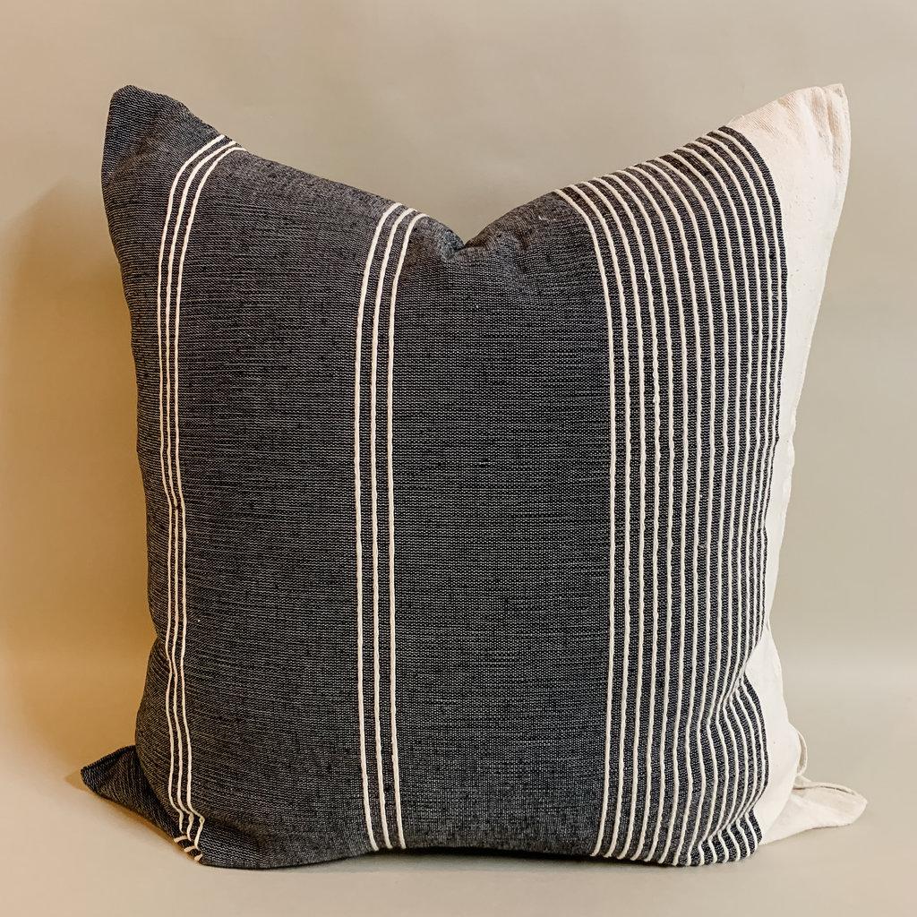 Solo Vega Black Pillow 22x22