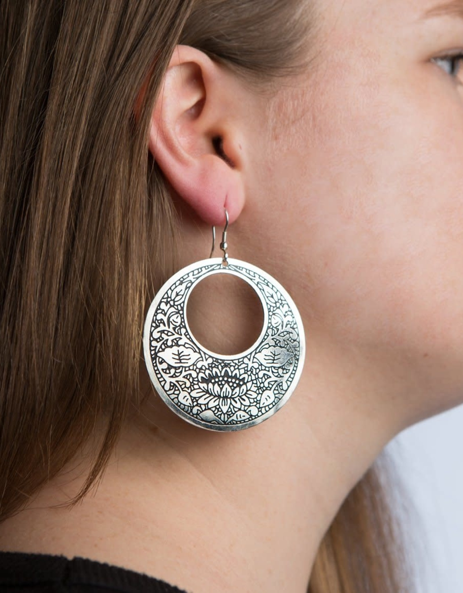Matr Boomie Metal Impression earrings