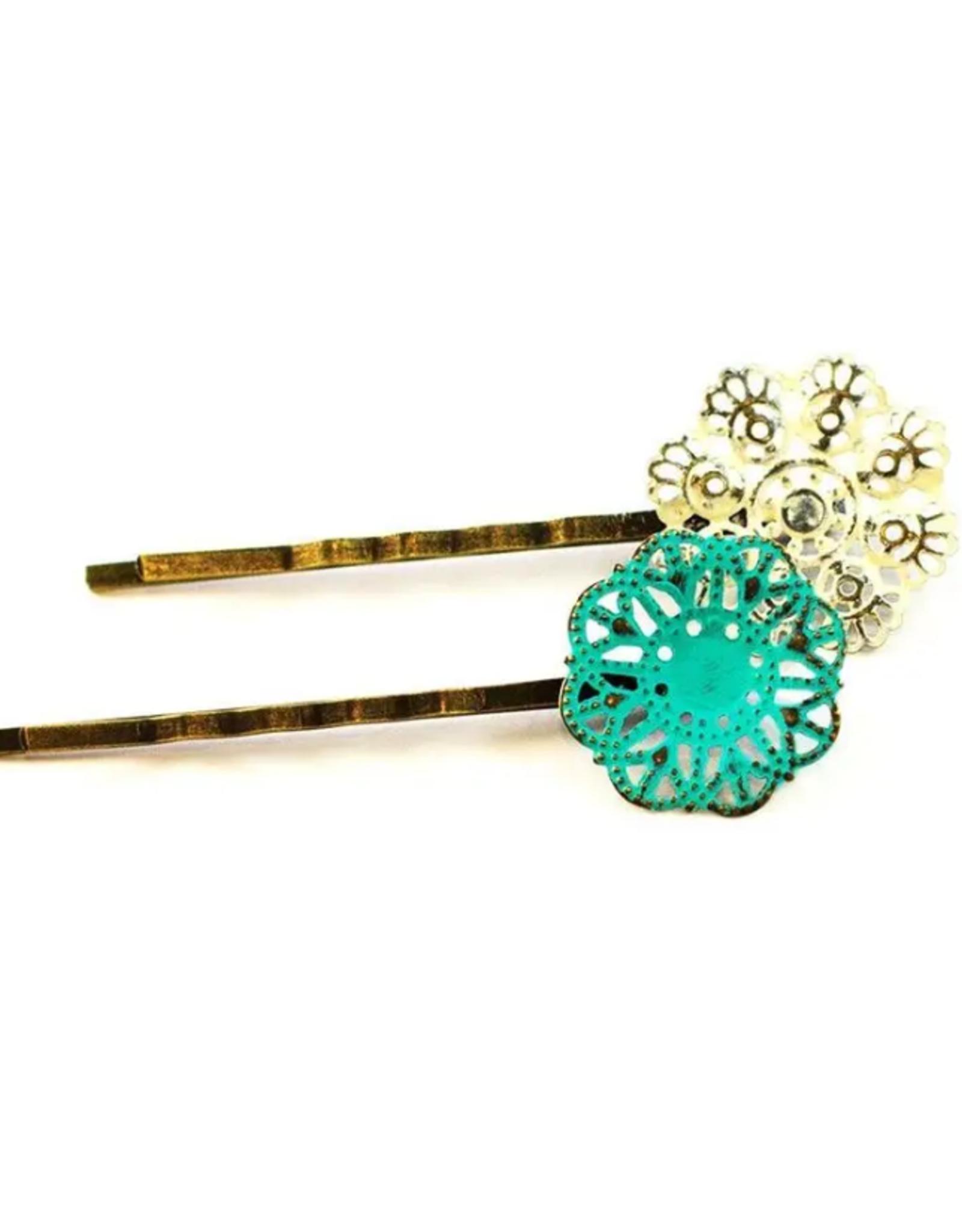 Gleeful Peacock Doily bobby pins (Turquoise & Vanilla)