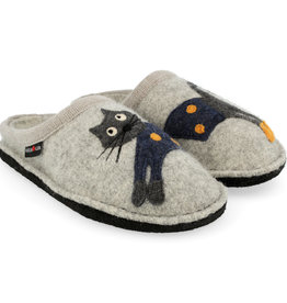 Haflinger Cucho cat slippers