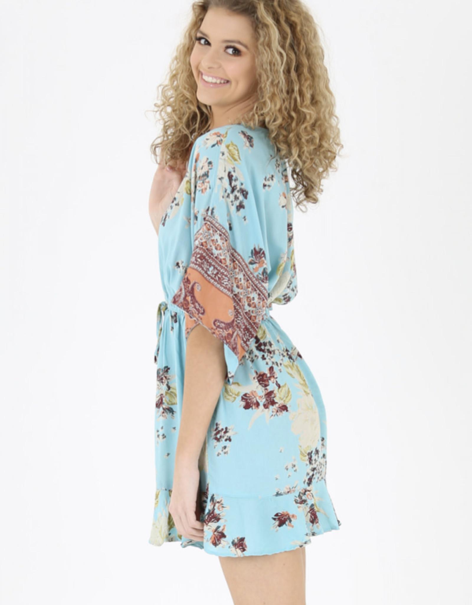Wide sleeve v-neck dress