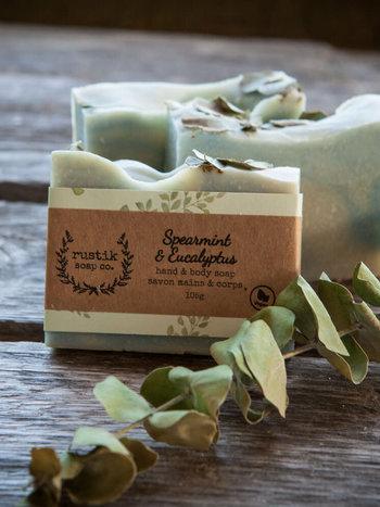 rustik soap co. Savon pour les Mains et le Corps Menthe Verte et Eucalyptus rustik soap co. 105g