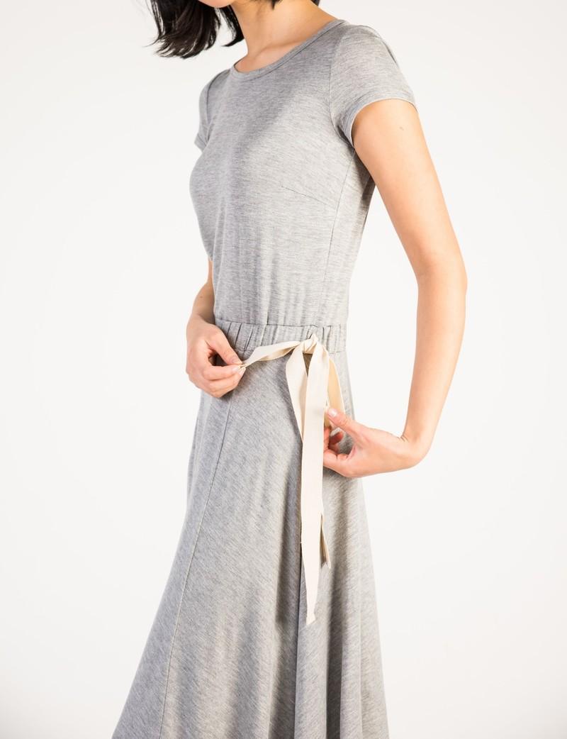 Airoldi Couture Robe T-Shirt à Taille Élastique avec Ruban Airoldi Couture