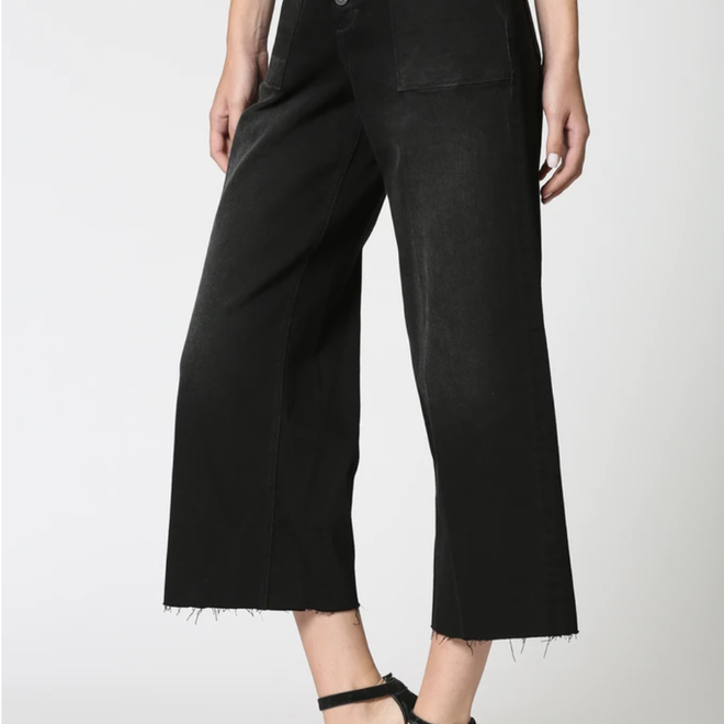 """Moonshine"" Black Pocket Cropped Wide Leg Jeans"