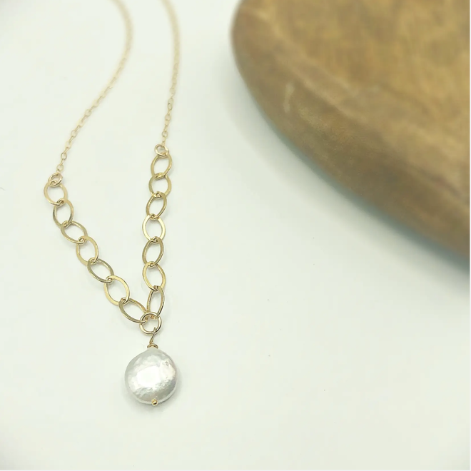Charlie Pearl Necklace