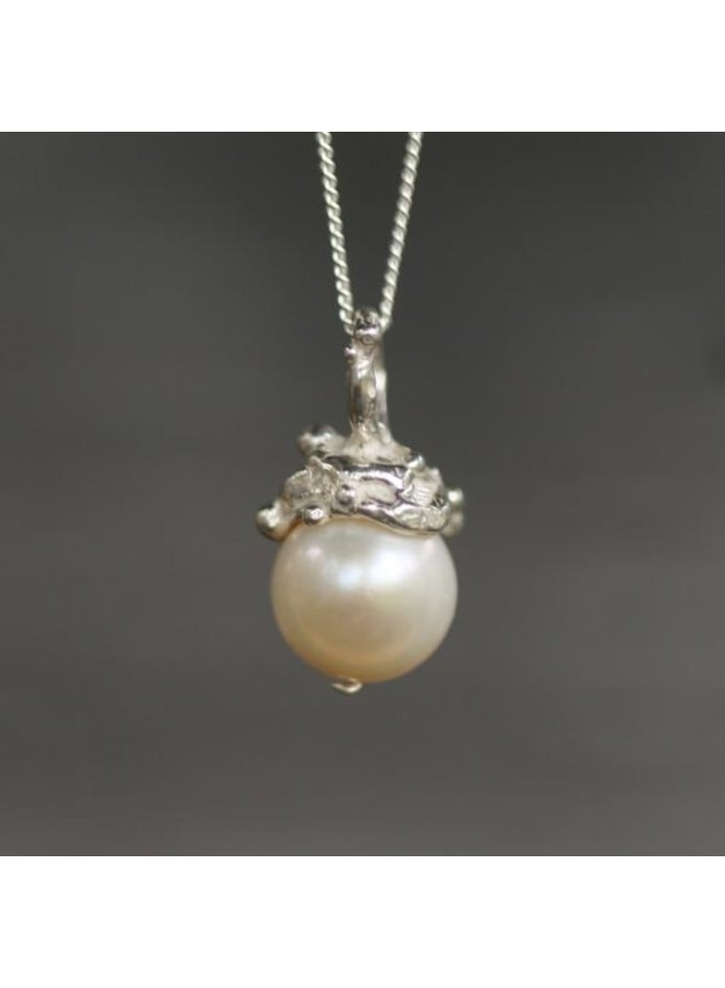 Pearl Pendant Silver SS Chain