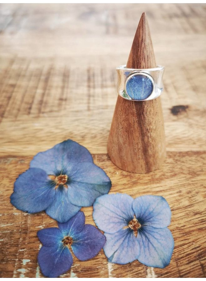 Hydrangea Chunky  Ring