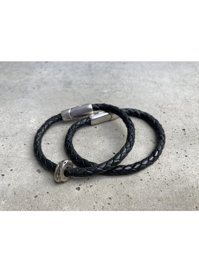 Wmn Braided single/ magnetic clasp blk