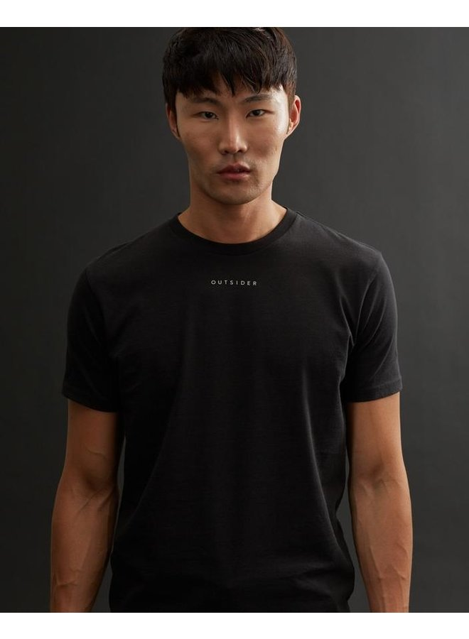 M Outsider Classic Tee - blk