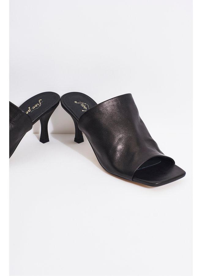 Cara Square Toe/Heel