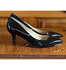 Marc Fisher Marc Fisher 2 1/2 inch heel pump