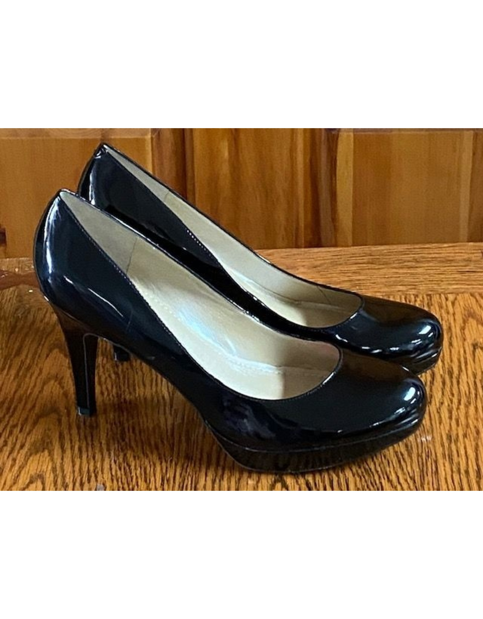 Marc Fisher Marc Fisher Rounded Toe Patent Leather