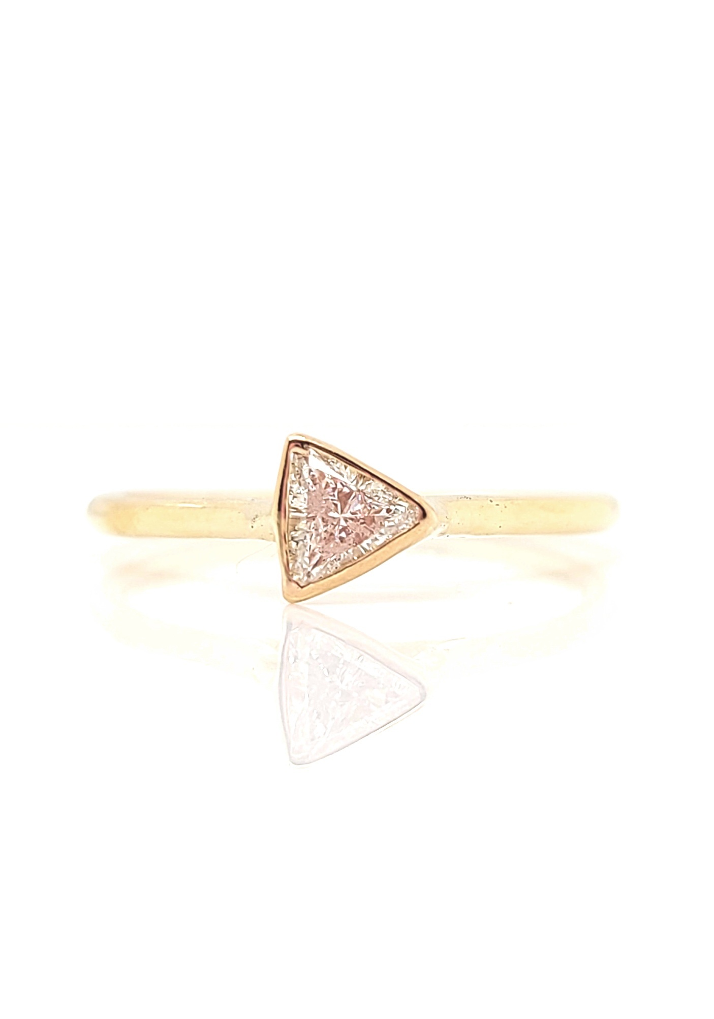 14kt Yellow Gold Bezel Triangle Diamond Ring 0.15ct