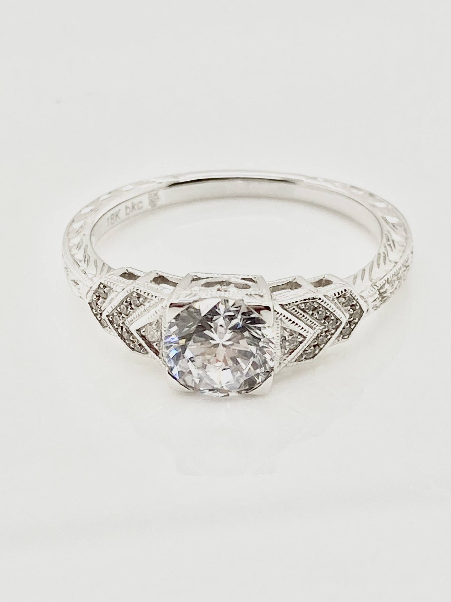 18kt White Gold Deco-style Shield Ring Setting