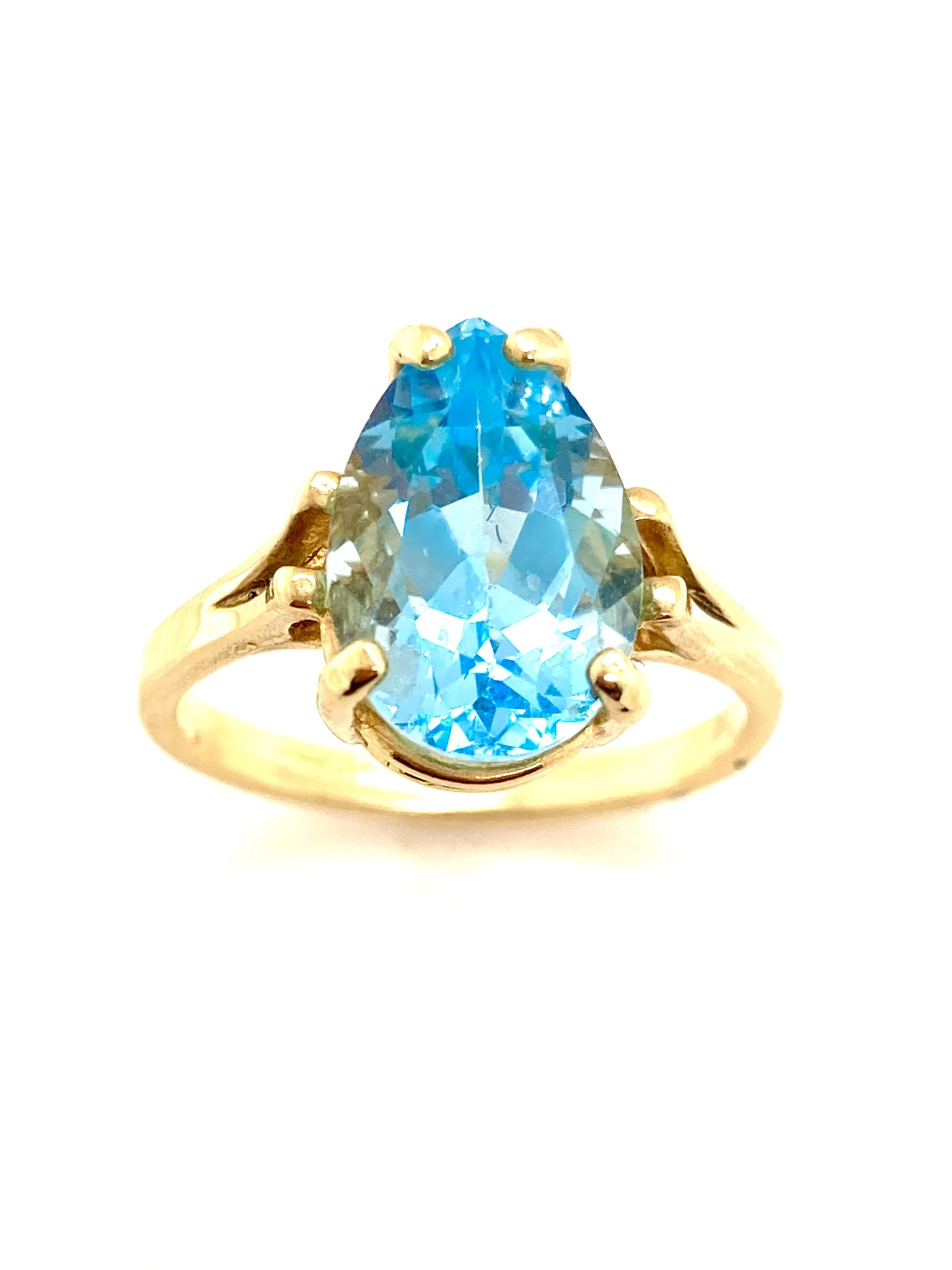 14kt Yellow Gold Pear-Shaped Blue Topaz Ring