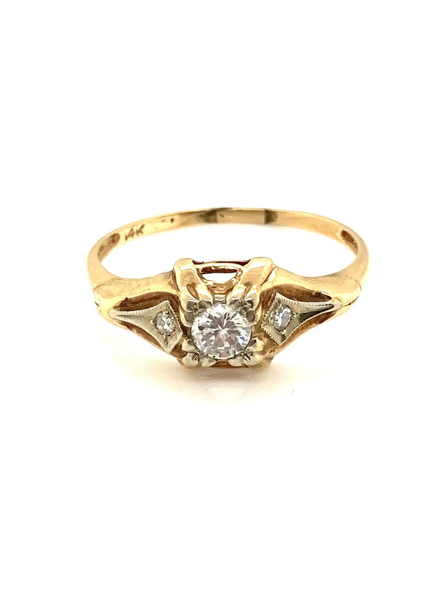 14k Two Tone Round and Kite Diamonds Ring