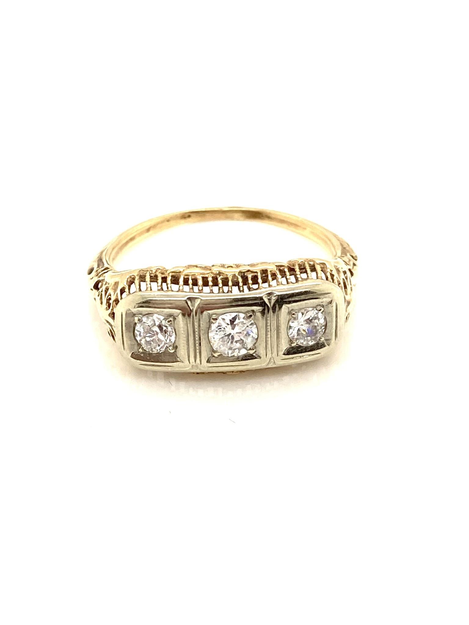 14K Yellow Gold 3 Stone Bar Style Ring