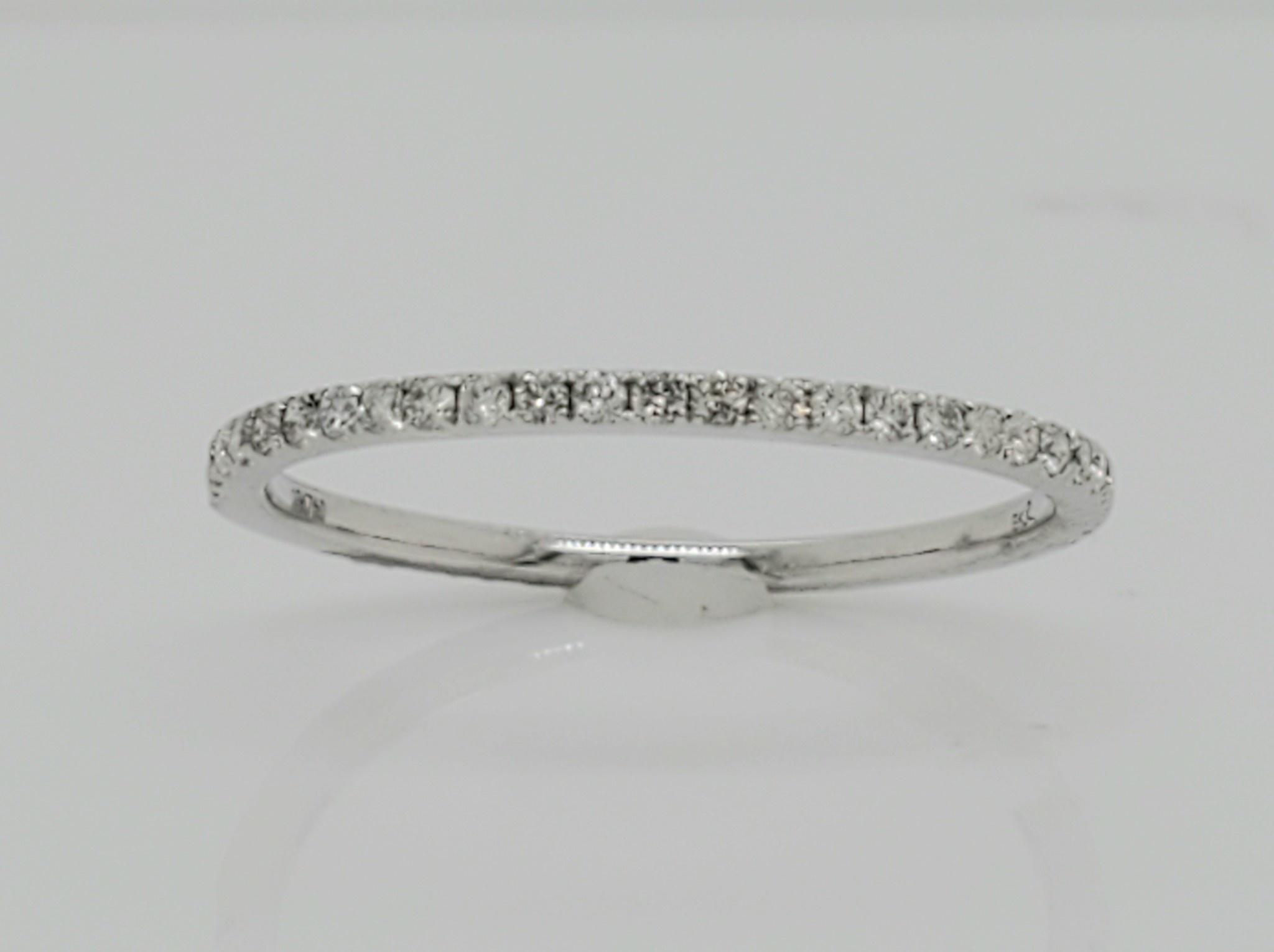 18KT White Gold Diamond Wedding Band