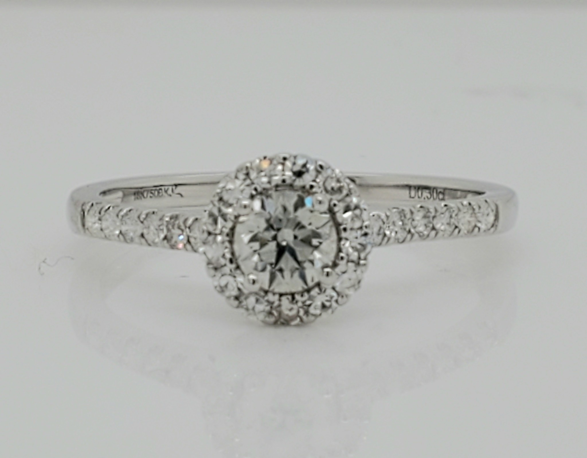 18KT White Gold Diamond Engagement Ring 0.30 CT