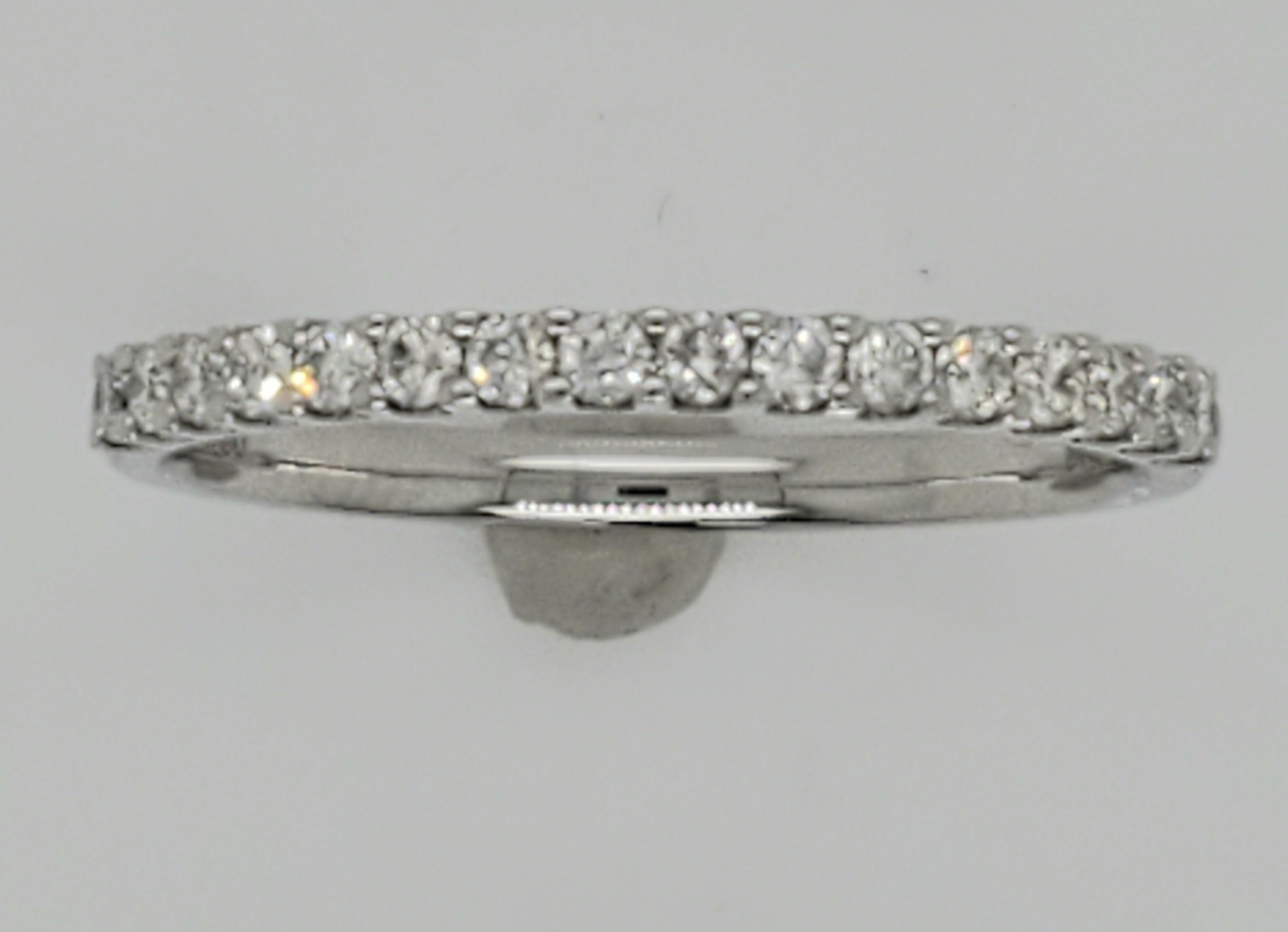 18KT White Gold Diamond Wedding Band 0.25 CTTW