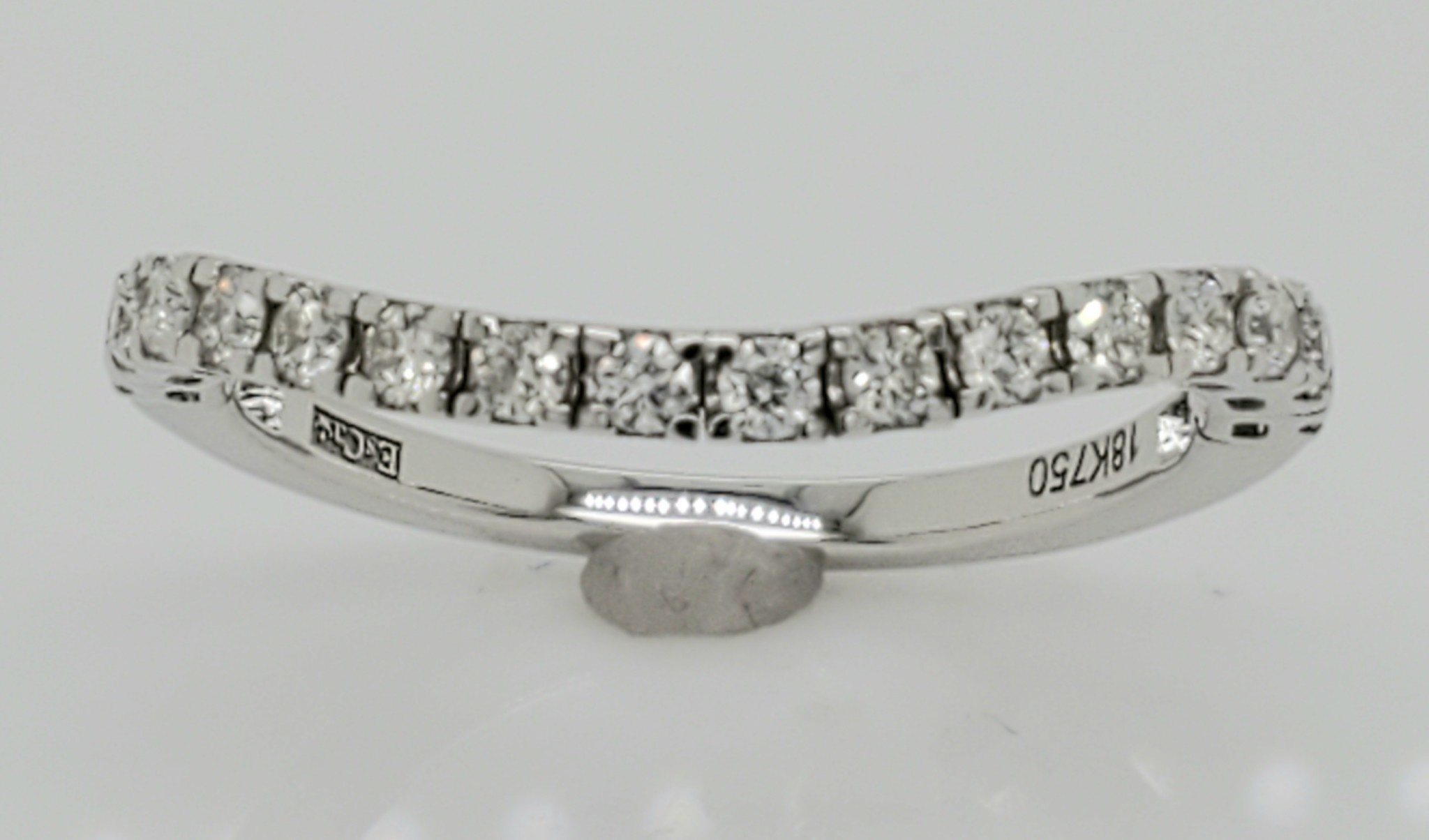 18KT White Gold Diamond Wedding Flex Band 0.30 CTTW