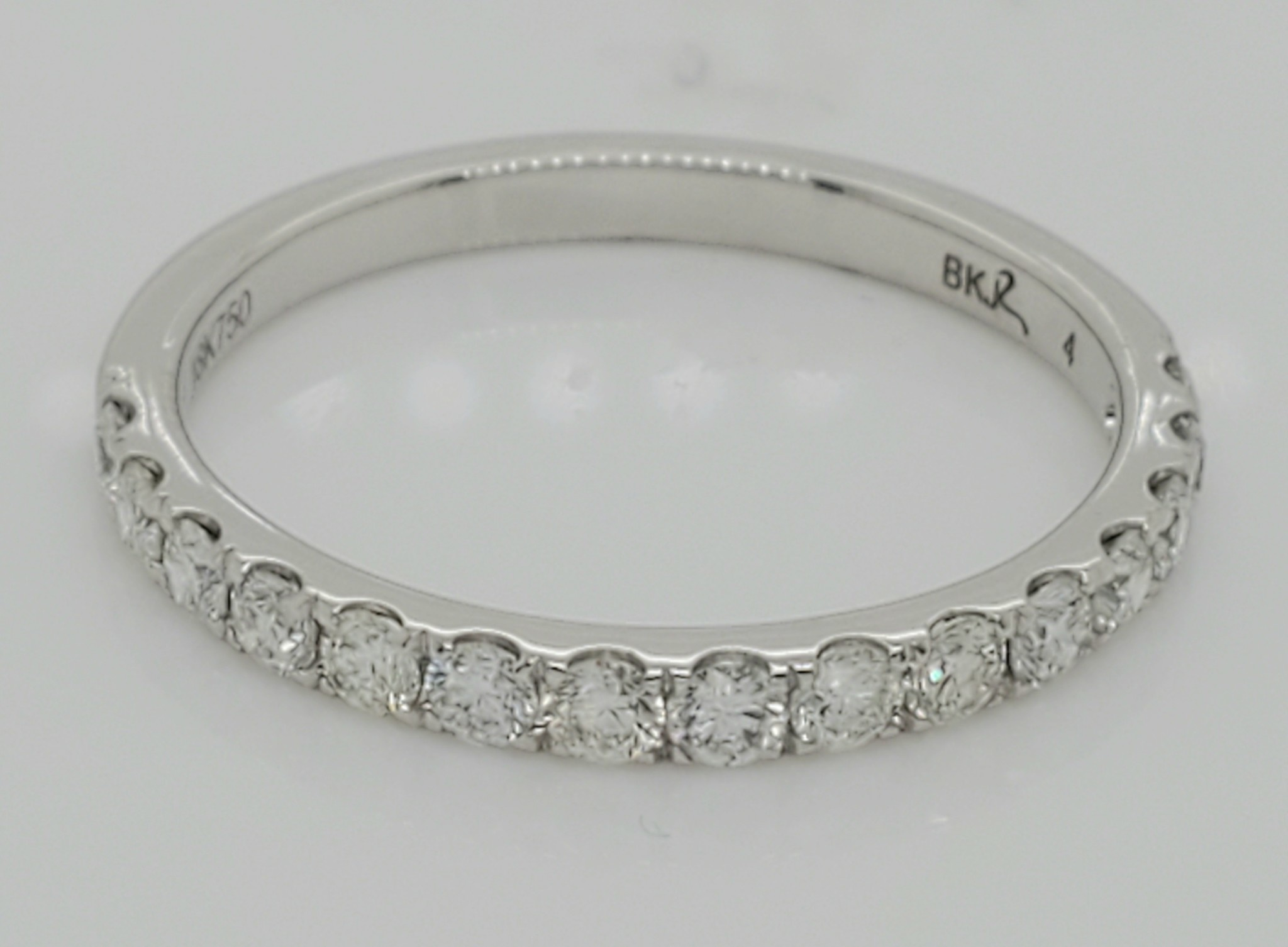 18KT White Gold Diamond Wedding Band 0.50 CTTW