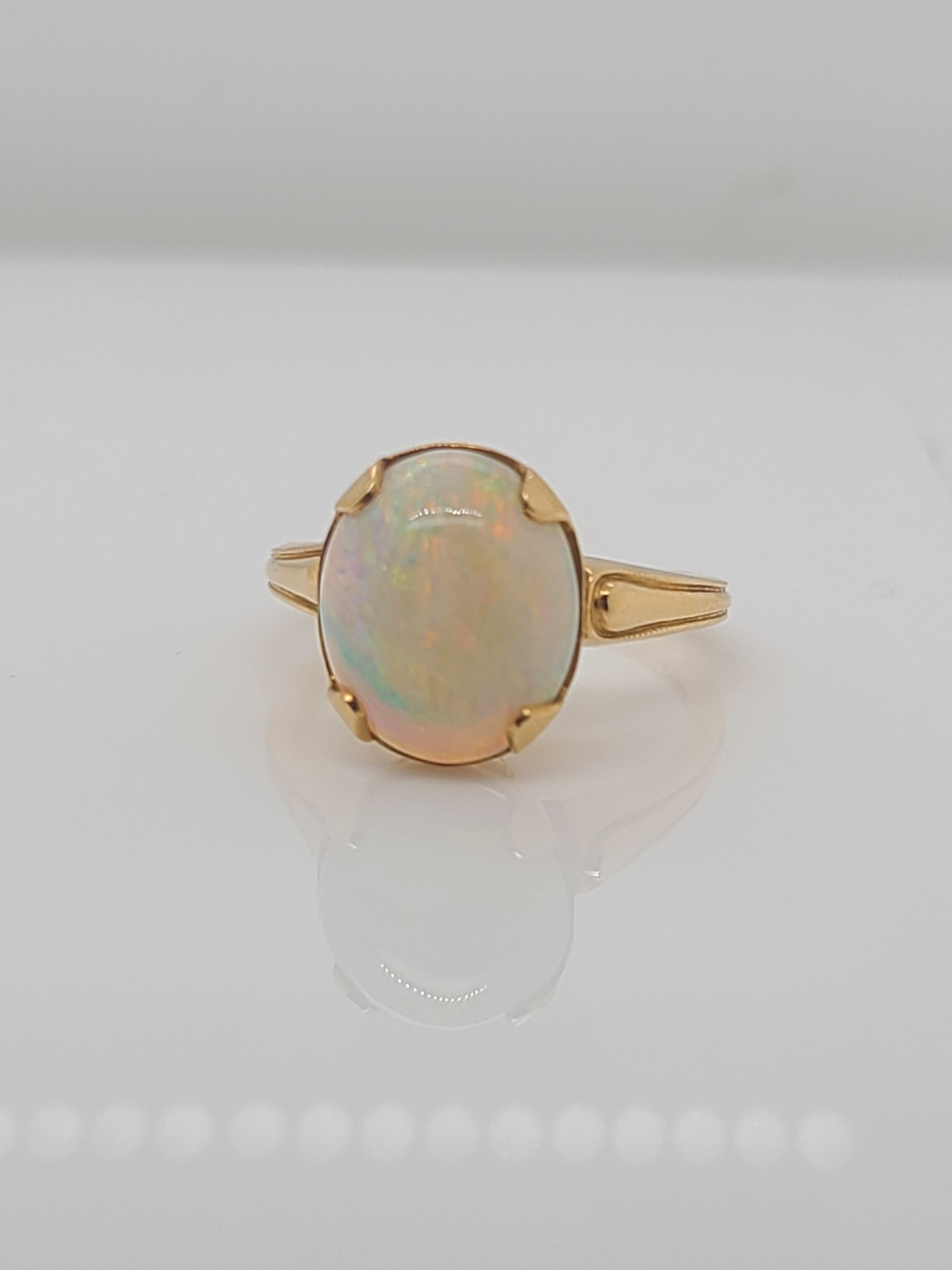 14kt Yellow Gold, White Opal 11.5x9.5 oval