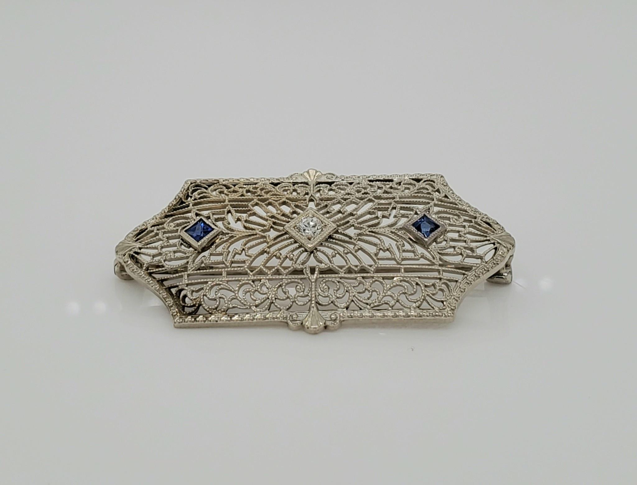 10KT WG Vintage Sapphire & Diamond Brooch